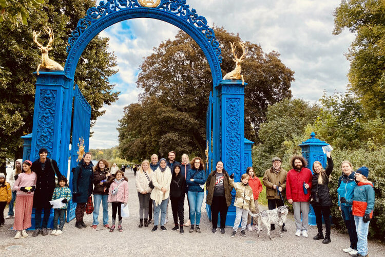 A group of SIS families at the djurgården gatethe
